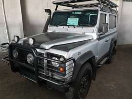 /2004 Land Rover Defender 90 TD5 SWB-Only 258500km-Well maintained-