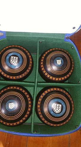 Lawn Bowls Set of 4 Size 5 in Carry Bag
