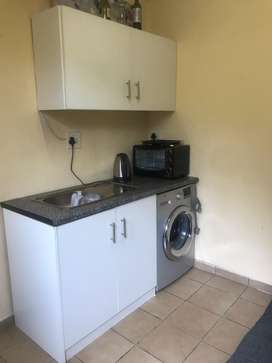 Bachelor to let R2700 pm near The Glen mall
