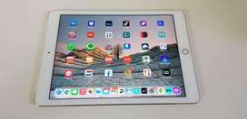 Ipad Air 2  (128gb) Wifi + cellular  in very good condition