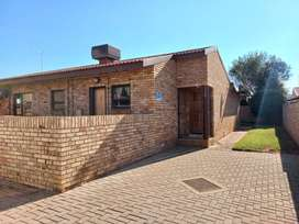 3 bedroom house in secure complex on Kimberley