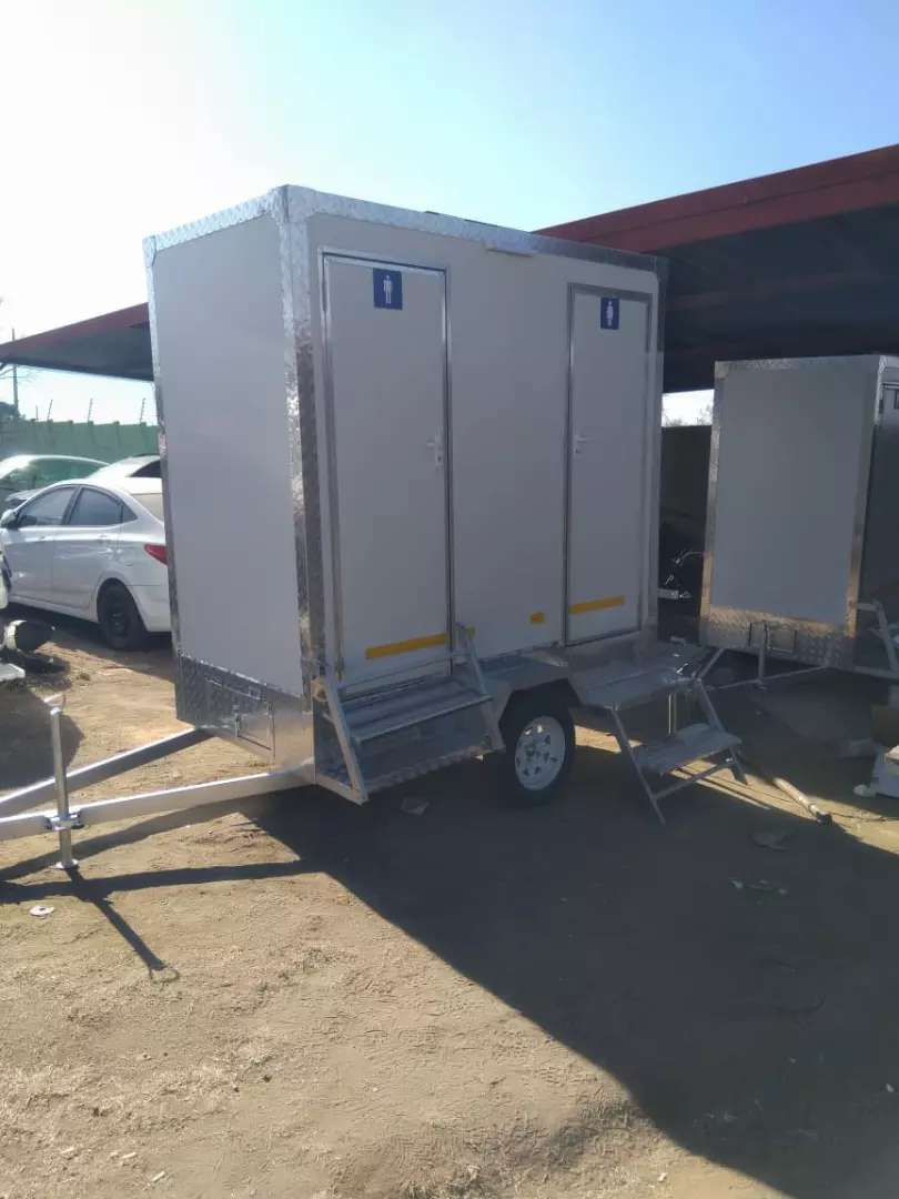 Good day  I'm selling New VIP Mobile toilets, Fridges and kitchens
