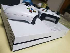 Immaculate Xbox ONE S