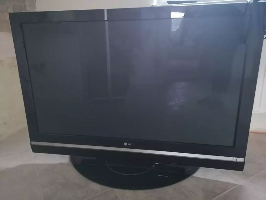 "LG 50PC55 - Plazma TV 50""  0"