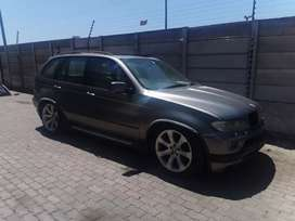 Bmw x5 4.8 is stripping for spares