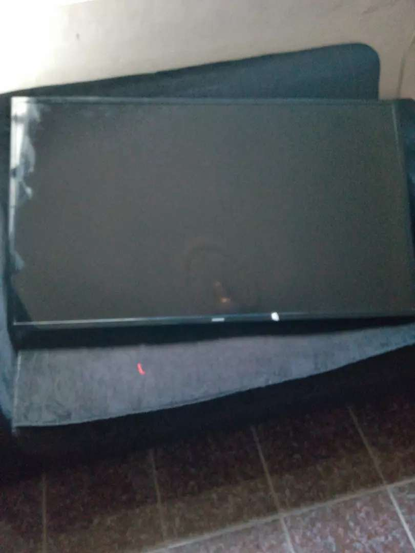 A second hand Samsung television 0