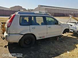 Nissan Xtrail 2.5 QR25 4x4 stripping for spares and body accessories.