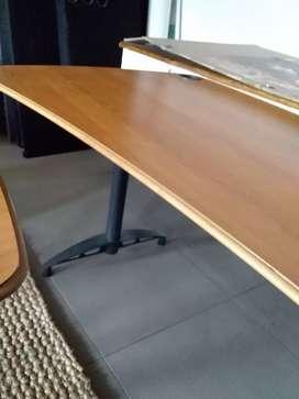 Desk/table in great condition