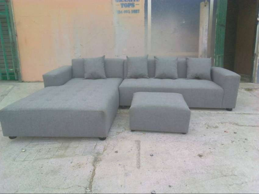 L shaped couches 4 sale at factory prices, no deposit 5 year warranty 0