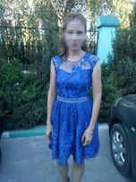 Платье коктейльное с кружевом на выпускной