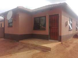 3 bedroom house in windmill park estate