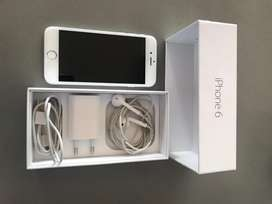 iPhone 6, 16 GB, White with all accessories. No scratches.