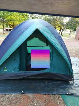 I'm selling a nilon 8 man tent its a howling moon pavo 4