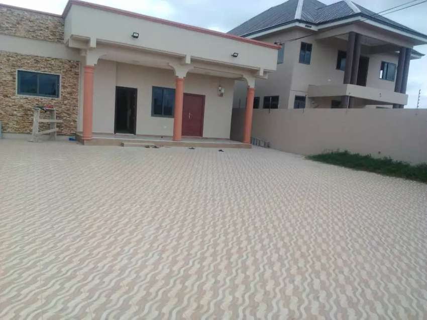 3 BEDROOMS HOUSE FOR SALE 0