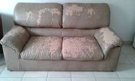 Selling a couch that can be upholstered by an upholster