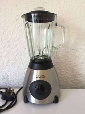 SUNBEAM DeLuxe Glass Blender 500W. 1,5 litres. Medium, High & Pulse.