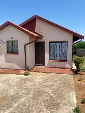 2 Bedroom 1 Bathroom House to Rent in Protea North Ext 1 (PoliceView)