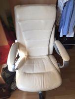 fotel masujący masaż skóra eko do terapii rehabilitacji relaks prezent