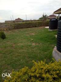 3bedroomed with servant quarter 0