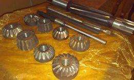 Набор зенковок из инструментальной стали. Для трактора.
