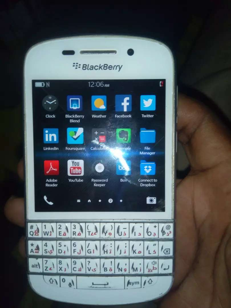 Blackberry q10 going for cool price 0