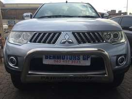 2011 Mitsubishi Pajero Sport Engine 3.2DiD Automatic 4x4