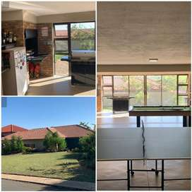 HOME IN PEBBLE ROCK GOLF ESTATE / ROODEPLAAT PROPERTY FOR SALE
