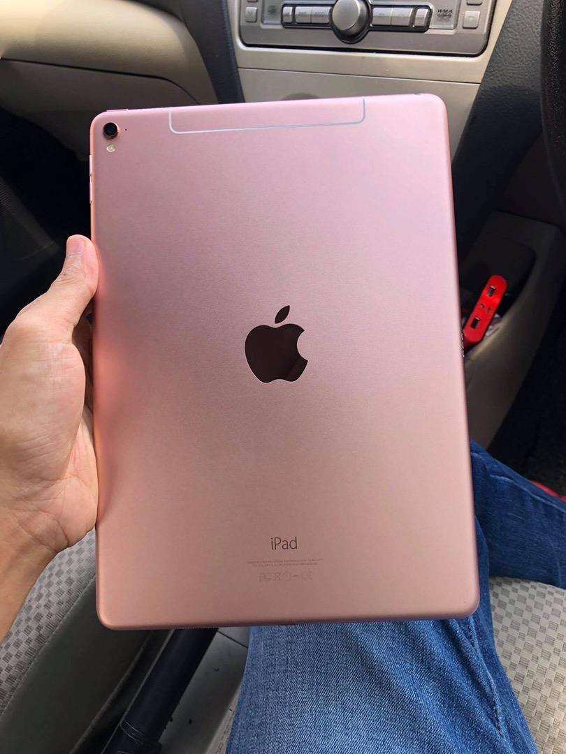 Ipad pro  for spares 0