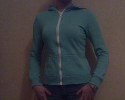 Спортивная женская кофта с капюшоном