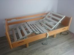 Zestaw łóżko rehabilitacyjne + nowy materac oraz wózek inwalidzki.