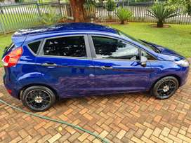 Ford fiesta 40000km usd manual