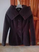 płaszcz z paskiem i kapturem 36