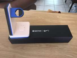 Apple Watch Series 4, 44mm Nike Edition