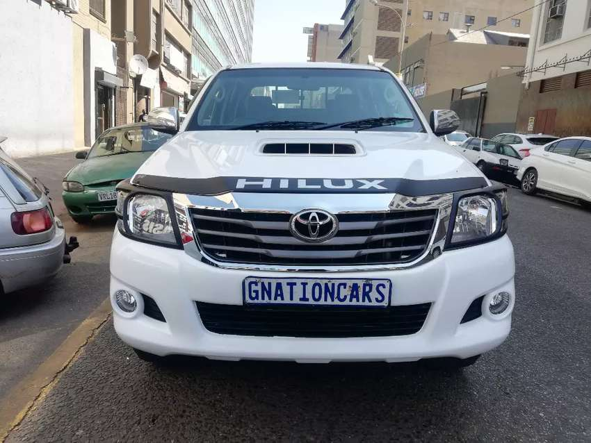 Toyota Hilux 3.0 D4D Raider 4x2 2013 for SELL 0
