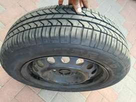 One rim and tyre forsale size 175/65R14 price R600