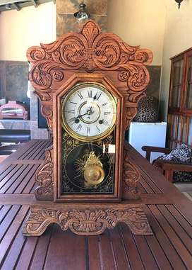 ANTIQUE NEW HAVEN MANTEL OR WALL CLOCK