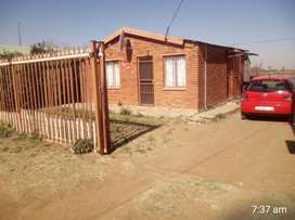 2 bedroom house available from 01 October to rent