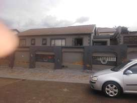 3 bed house 2 rent Phillipnel Park R7500