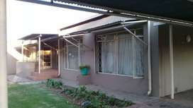 SPACIOUS 2  BEDROOMED FLAT IN MIDDELBURG FOR RENT