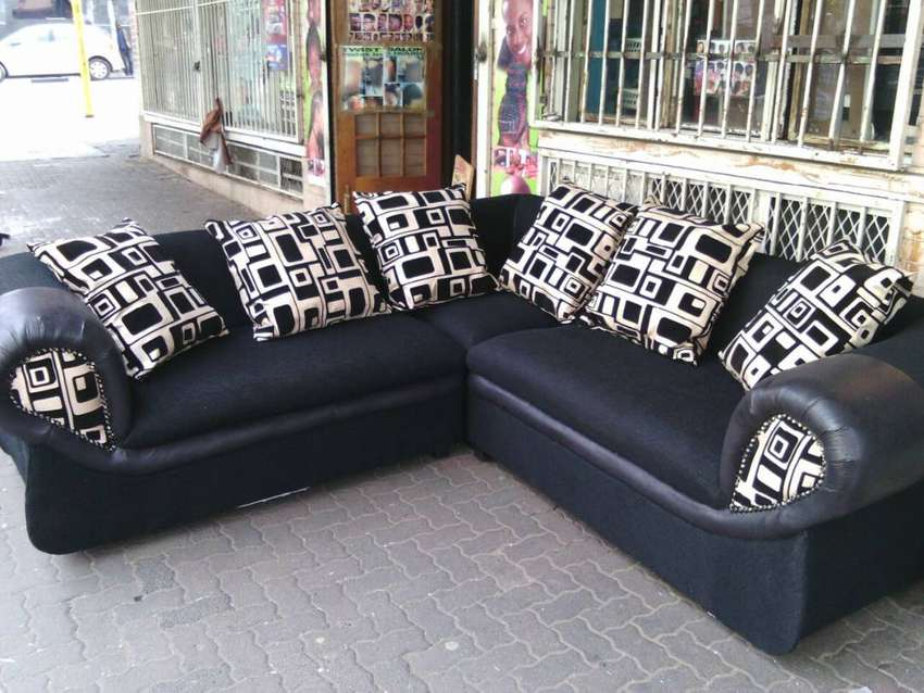 LOUNGE COUCHES ON SALE
