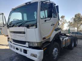2005 UD 440 6x4 Truck Tractor with hydraulics !