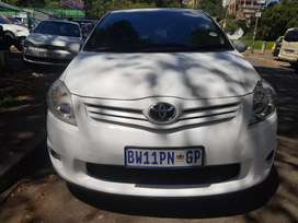 2011 Toyota Auris 2.0 with leather seats