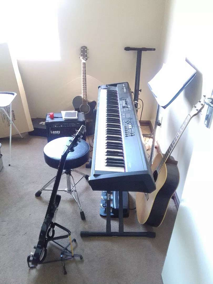 R150 a lesson Guitar and piano/keyboard lessons from R150 per hour