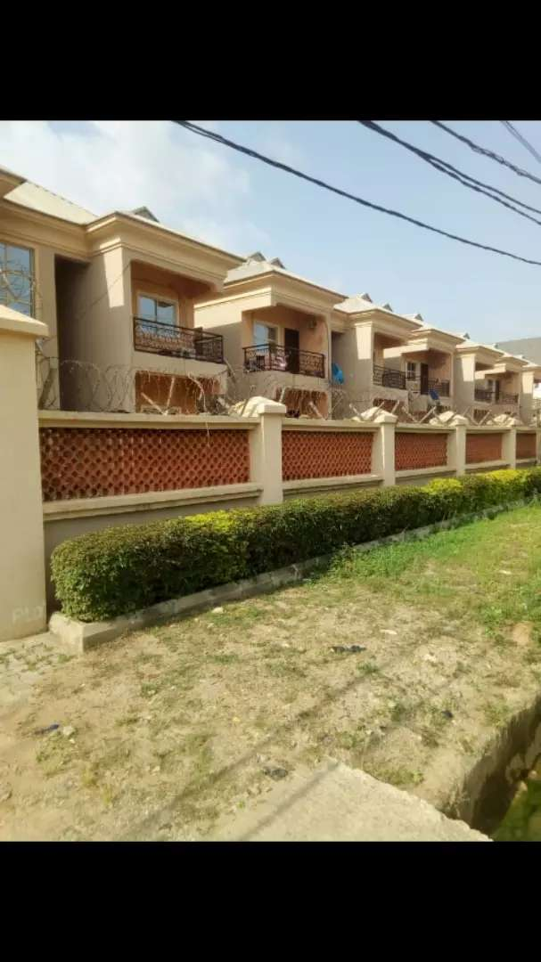 A very clean 3 bedroom flat available for  rent in abuja. 0