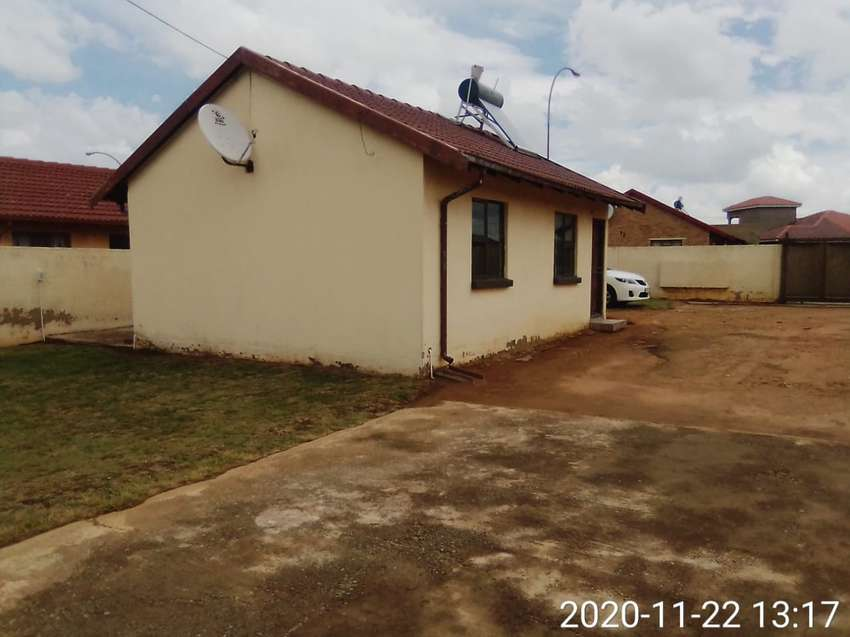 Beautiful 2 bedroom house for sale at Lenns xtn4
