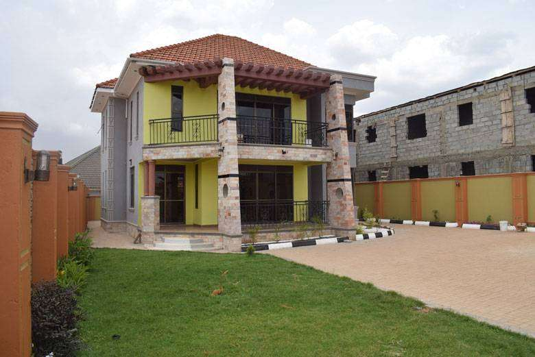 HOUSE FOR SALE IN KIRA TOWN 0