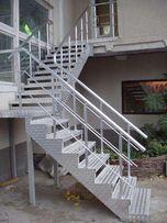 Лестница для дома или офиса, винтовая лестница недорого.
