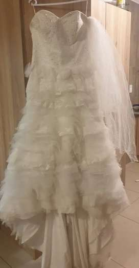 Wedding Dress R8500neg or closest offer