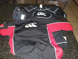 Rugby gear... large & medium shoulder pads & headshield