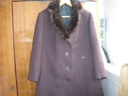 Пальто зимнее р-р 56-58 коричневое, воротник норка